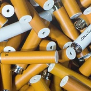Disposable vs. Rechargeable E-Cigs